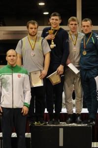 86-kg iš dešinės Vitalijus Tavgenas laisvosios imtynės
