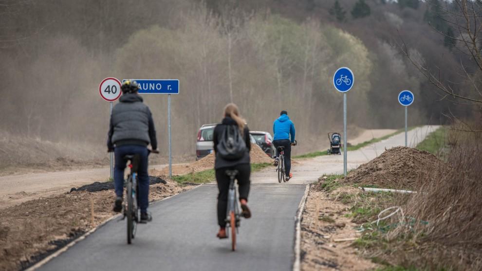 Kauno miestą ir rajoną sujungęs dviračių takas: nuo miesto centro iki Kačerginės – per valandą