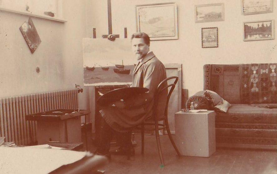 ketv-a-_zmuidzinavicius_dirbtuveje_prie_molberto_1932